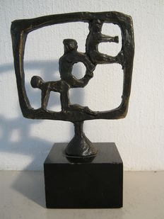Ger van Tankeren - signed sculpture on marble base - made on commission