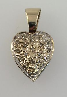 Yellow gold 'heart' pendant – 2.1 cm with 0.09 ct diamond