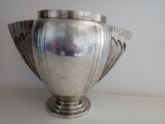 Art Deco vase in silver plated metal