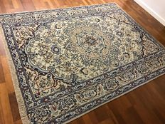 NAIN IRAN rug hand knotted - wool with silk 250X200cm