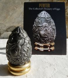 Vintage egg 1988 - Collection 'The Collector's Treasuty of Eggs' - Engraved pewter - Certificate - Franklin Mint