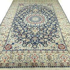 "Nain – 306 x 206 cm – ""Eye-catcher – Persian carpet with silk – In beautiful, virtually unused condition""."