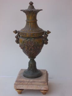 Ancient vase, urn with cover that opens in bronzed antimony with pink marble base from France, circa 1900