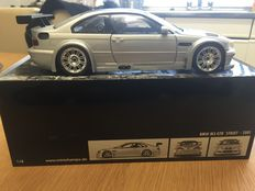 Minichamps - Scale 1/18 - BMW M3 GTR 'Street' 2001 with Caron roof