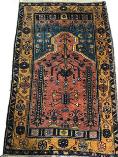 Turkish prayer rug – 132 x 83 cm