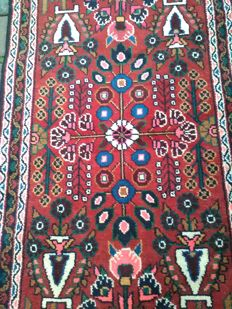 Take advantage from 1€!! Very beautiful,tidy and clean Persian/Kurdish rug