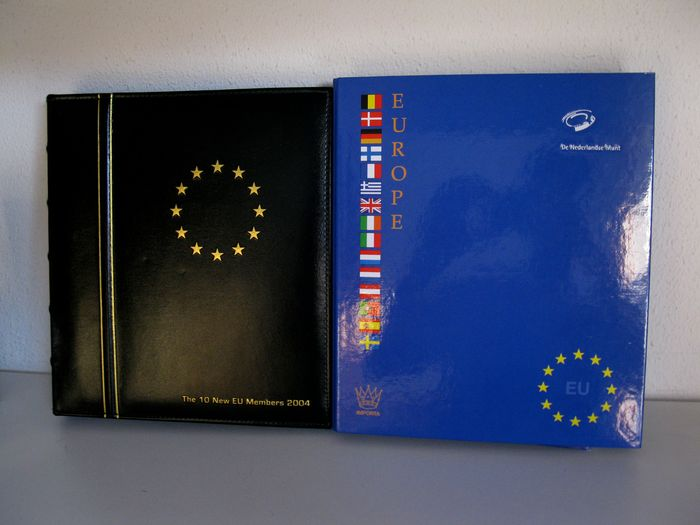 Europe - Coin sets Euro countries (26 different sets) in 2 albums