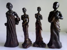 Nice lot of 4 statuettes of women from Africa-Ethiopia