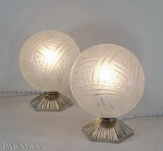 Hettier & Vincent -  pair of Art Deco lamps - nickel plated bronze lamp and pressed glass