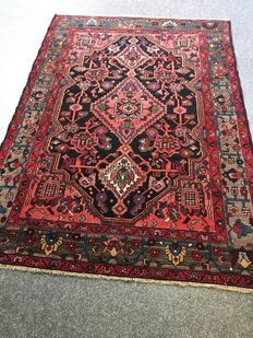 Stunning, old, original Persian Azerbaijan with herbal colours! Approx. 138 x 196 cm – In very good condition – PERSIA – Period 1960 – Free shipping to Europe!