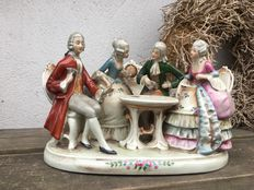 Lippelsdorf Porcelain statuette of people playing cards