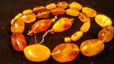 Genuine Baltic amber antique set, necklace and earrings, 67 gram