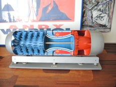 Hema - cut model Junkers turbine - 21x16x53 cm - mid 2th. century