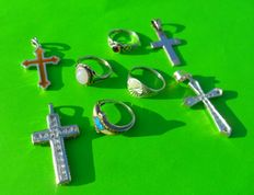 Lot 8 silver crosses and rings (sterling) Hallmark 925