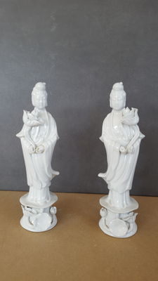 Two porcelain figurines, Guanyin - China - Late 20th century