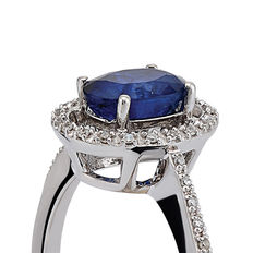 14k white gold diamond and sapphire ring; Size: 15/55 (
