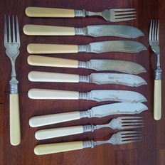 E P N S Vintage forks and knives set