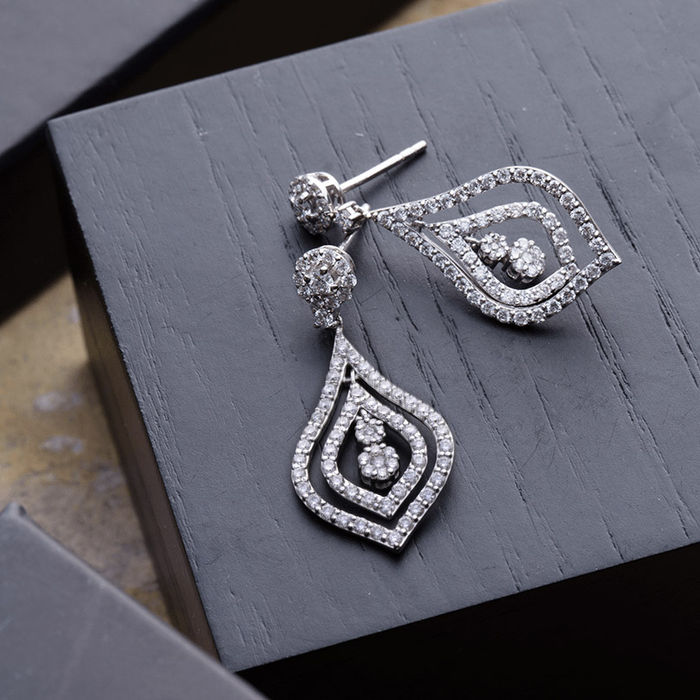 2.58 ct diamond earrings and necklace set, H - VS/SI