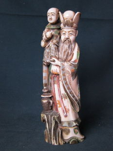 Large polychrome Ivory of  an immortal with a little boy (25,5) - China - ca. 1900