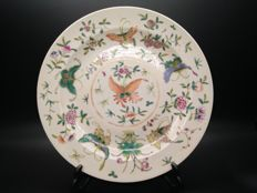 Fine large plate decorated with butterfly with flowers  - China - ca. 1930