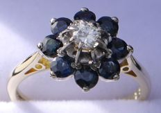 Diamond / sapphire ring, yellow gold 18 kt, ring size: 16 mm.