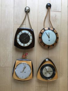 4 Junghans kitchen clocks from the 1940/60s
