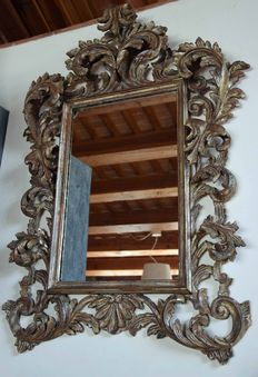 Wall mirror with a silver plated wood frame - Venetian Rococo - Italy, late 19th century