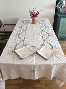 Tablecloth + 12 napkins, hand embroidered white cotton