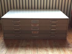 Industrial Vintage chest of drawers / paper case