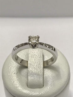 Solitaire ring in 18kt gold with 0.36ct diamonds Top Wesselton - size 54