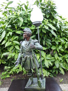 Sculpture of soldier with lamp - Arthur Waagen (1833-1898)