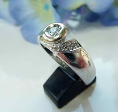 14 kt white gold ring with diamonds, 0.16 ct in total - size 19.1