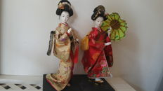 Two Geisha dolls with porcelain heads - Japan - crica. 1970