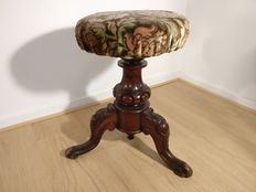 Victorian piano stool - England - around 1900