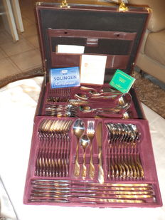Cutlery case BERGHOFF 'modell suzanne' 72 - piece 23/24 ct gold plated
