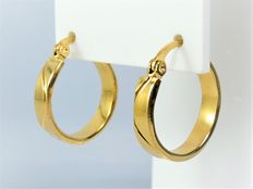 Creole earrings in 18 kt gold