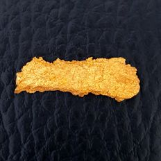 Gold nugget - 24 x 7 mm - 2.400gm - 12 Carat