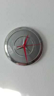 Wall clock from an original Mercedes Benz wheel cap