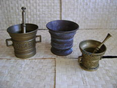 3 copper/bronze mortars with pestle.