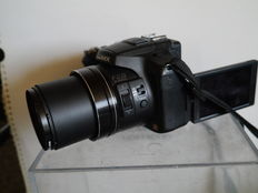 LUMIX  FZ200 with Super zoom Leica Lens + UV filter