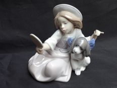 Lladró - porcelain sculpture, girl with mirror No. 5468