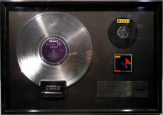 Heart - Brigade original US Capital Platin Music Award ( goldene Schallplatte)  - original Sales Music Record Award ( Golden Record )