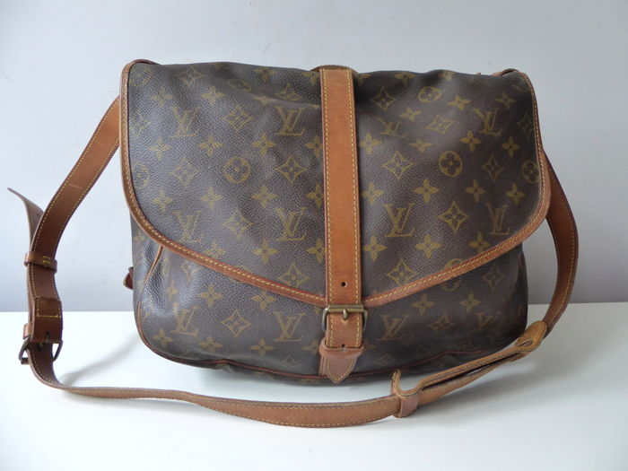 ef6e64b9f8b Vintage Louis Vuitton - Saumur 35 GM - Crossbody bag - Catawiki