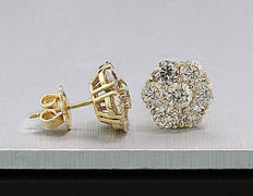 A pair of valuable brilliant ear studs 3.50 ct 585 yellow gold