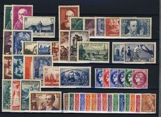 France 1938 – The complete year – Yvert numbers 372 to 418.