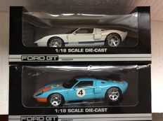 The Beanstalk Group - Scale 1/18 - Ford GT Concept Car white with blue racing stripes and Gulf Racing Blue Orange
