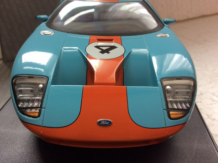 The Beanstalk Group Scale   Ford Gt Concept Car White With Blue Racing Stripes And Gulf Racing Blue Orange