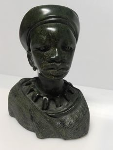 Sculpture in verdite (stone/serpentinite/fuchsite) featuring a young man, SHONA tribe, Southern Africa