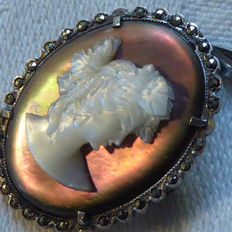 Wine harvest silver cameo brooch/pendant with mother of pearl and marcasites