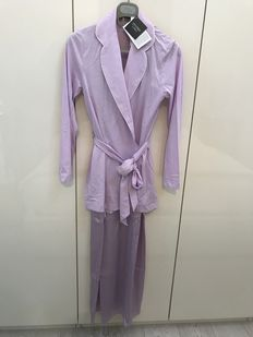 La Perla –  Nightwear, comprising a silk nightgown and a cotton dressing gown.